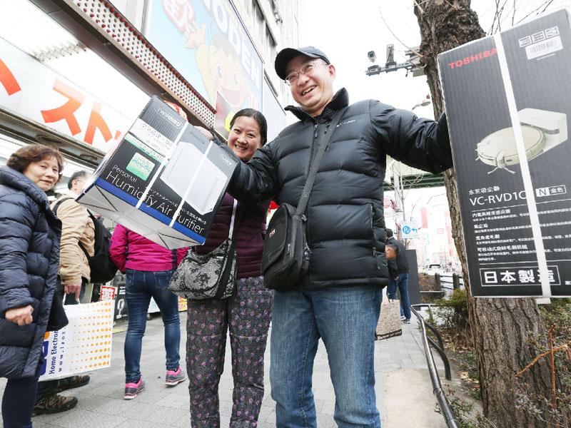春節商戦、中国人観光客らの「爆買い」に変化