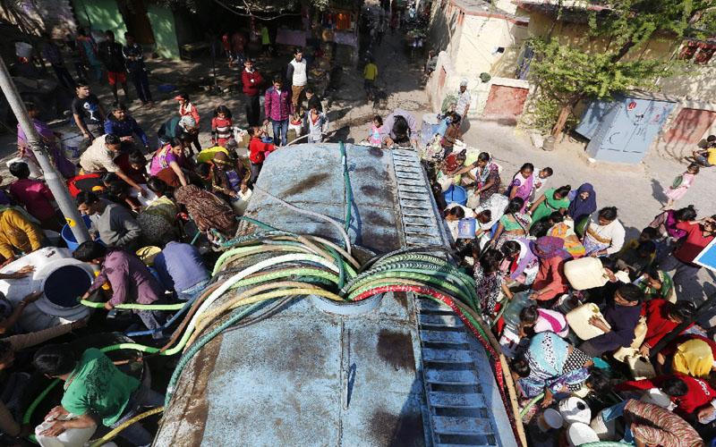 インドの首都ニューデリーで水不足が深刻化