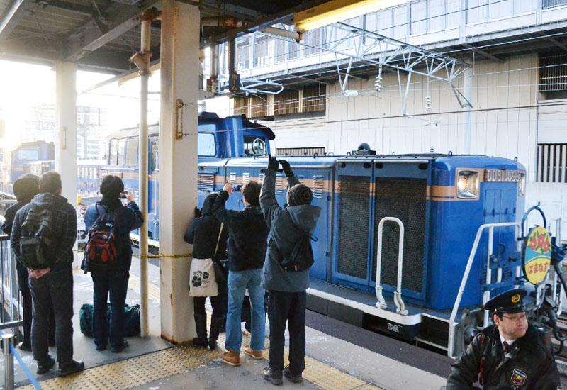 青函トンネル夜行「はまなす」、札幌駅に到着