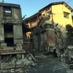 熊本地震の被災地では木造家屋が倒壊し、被災の爪痕が残る=4月17日、熊本県阿蘇郡南阿蘇村で(読者撮影)