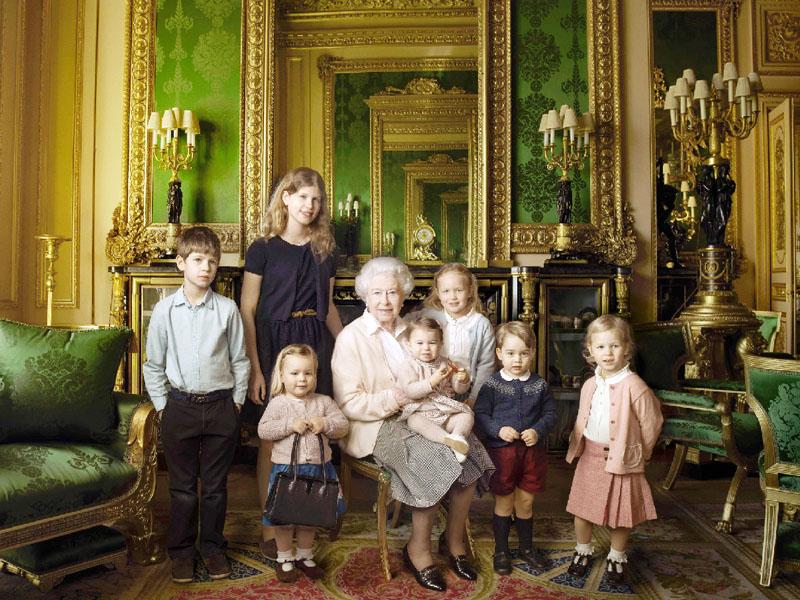 英国のエリザベス2世女王が90歳に