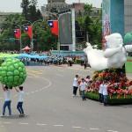 総統就任式では「民主進行曲」に合わせた山車(花車)が登場した