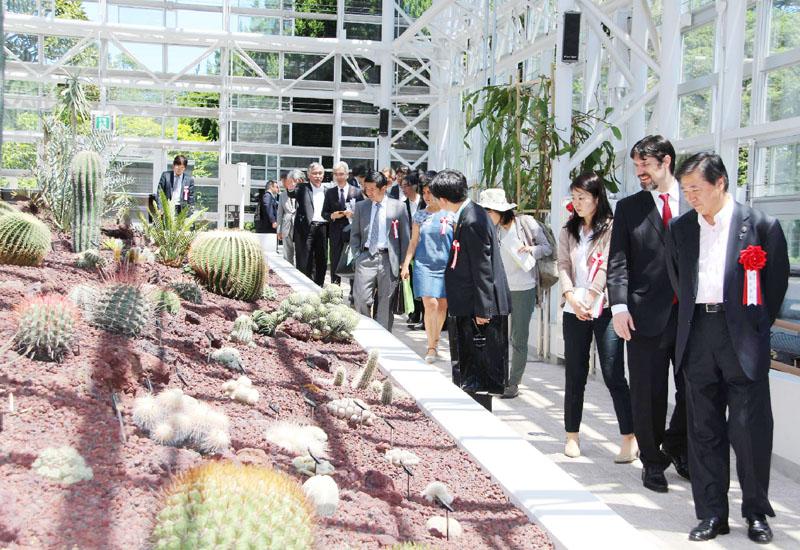 神代植物公園の大温室をリニューアル