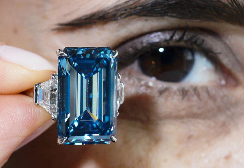 四十数億円の輝き「オッペンハイマー・ブルー」