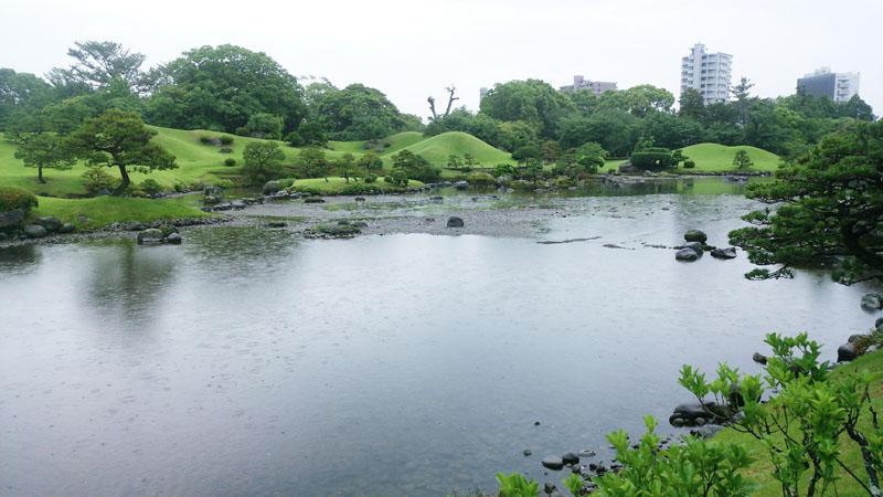 熊本市の水前寺公園、1カ月ぶりに営業を再開
