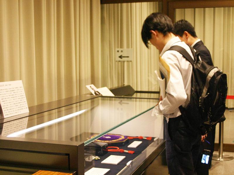 栄典の歴史たどる企画展、国立公文書館で開催