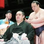 元関脇若の里、東京・両国国技館で断髪式