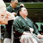 元関脇の旭天鵬、東京・両国国技館で断髪式