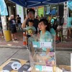 4月10日に発足した新党「香港衆志(デモシスト)」の支援募金活動