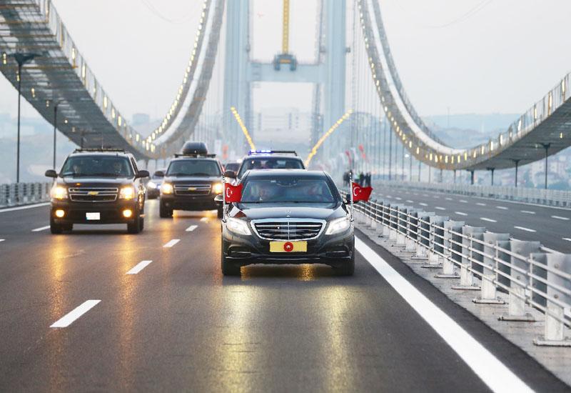 世界4位のつり橋「オスマン・ガジ橋」が開通