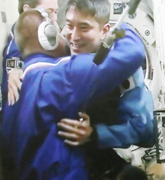 大西卓哉宇宙飛行士がISSに「感動」の到着