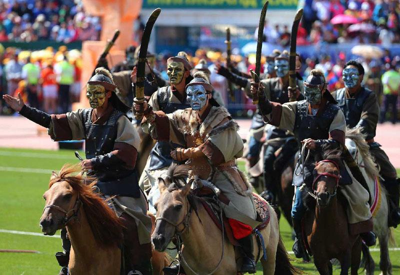 騎馬民族の夏の祭典「ナーダム」始まる