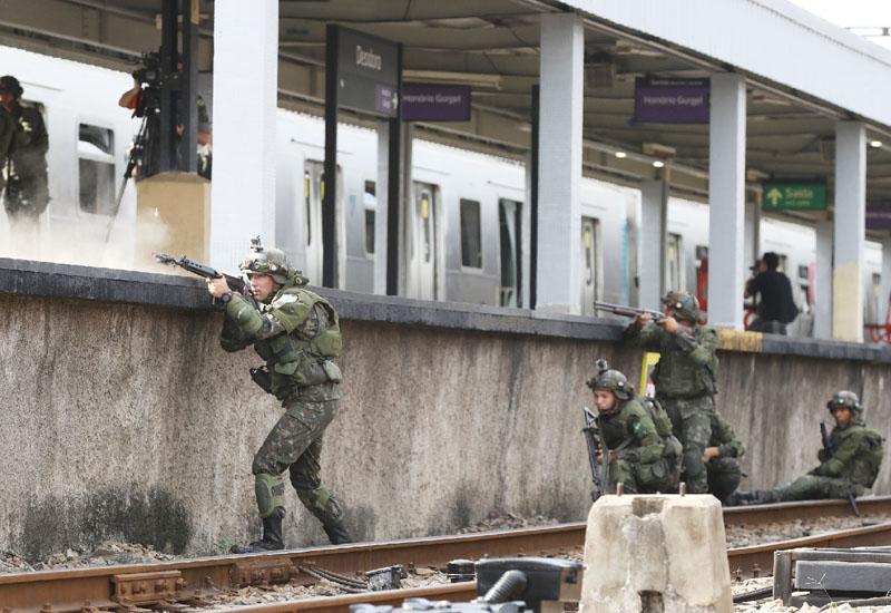 リオ五輪に向けて対テロ訓練、800人以上が参加