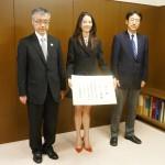 文化庁がブノワ賞のオニール八菜さんを長官表彰