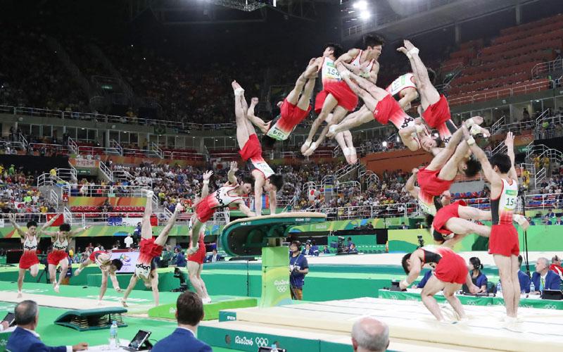 体操男子団体が12年ぶりに金、後半鉄棒で逆転