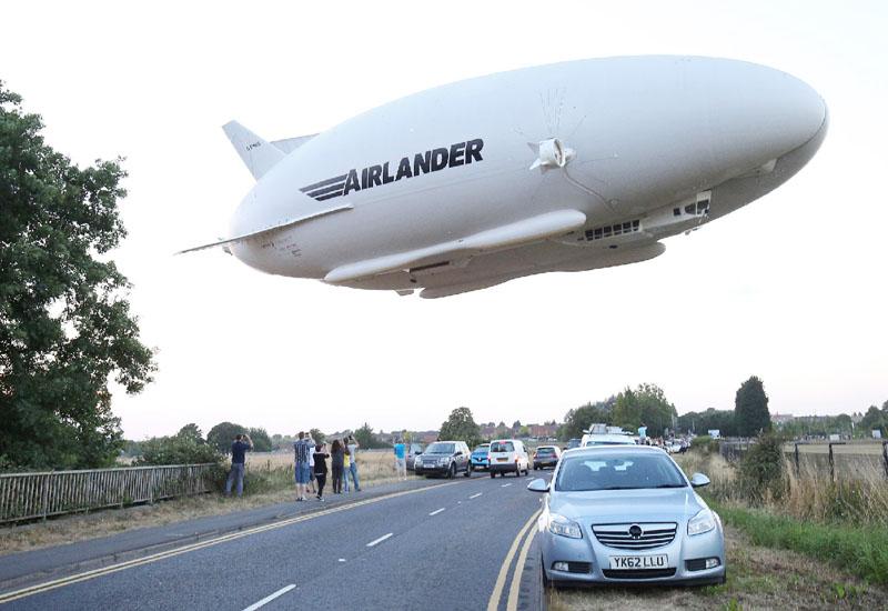 全長92メートル、「世界最大の航空機」初飛行