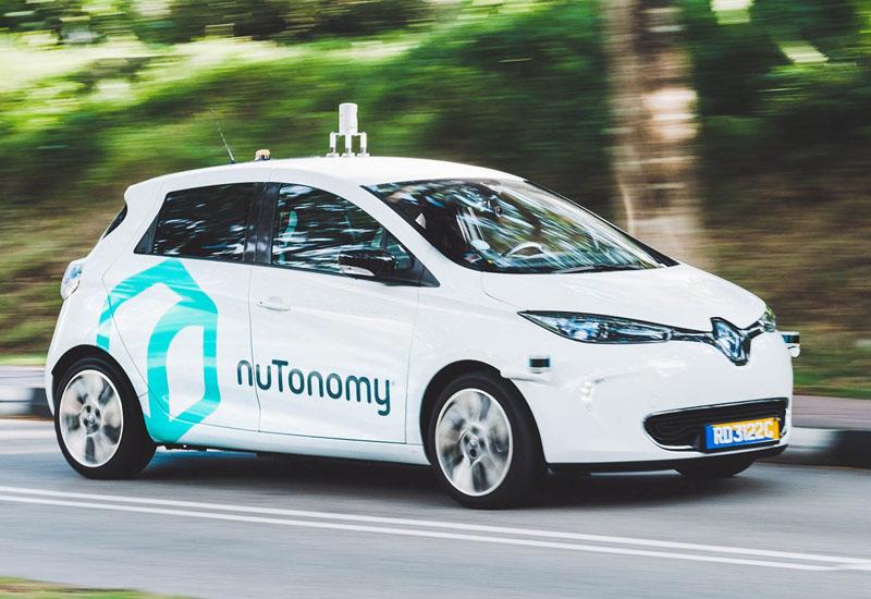 世界初、公道上での自動運転タクシーの実証試験