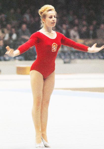 「体操の名花」チャスラフスカさん死去、74歳
