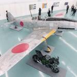 川崎重工が戦闘機「飛燕」を復元、報道陣に公開