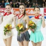 フィギュア女子GPで、三原舞依が笑顔の3位