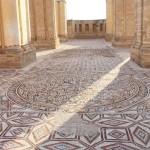 中東最大級のモザイク床を公開、保護施設建設へ