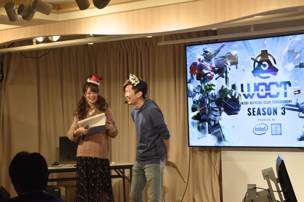 最初に挨拶を務めたのは声優の近村氏(左)と運営の石川氏(右)。
