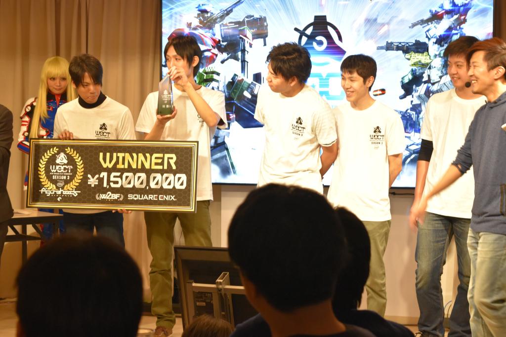 優勝は三連覇となったチーム七人組。会場に応援に来ていたメンバーも。