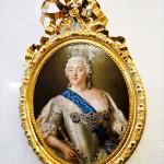 「エルミタージュ美術館」に展示されているピョートル大帝の娘、エリザヴェータ女皇帝の肖像画。文化事業に力を入れ、多くの宮殿をロシア・バロック様式に改築する。モスクワ大学も創設