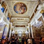 世界3大美術館の一つ「エルミタージュ美術館」内のレオナルドダヴィンチの部屋