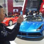 中国、フェラーリなどの超高級車に新たな課税