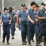 警備に動員された警官たち