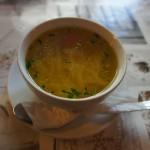 ポーランド伝統料理の一つ 野菜スープと麺類