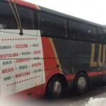 ワルシャワにて吹雪の中Lux Express Busを待つ