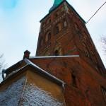 巨大なため聖ヤコブ教会を斜め下からの眺め