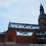 リガ旧市街に巨大な建築物が広がる:リーガ大聖堂 (ドゥァムス)を目の保養にと愛でる