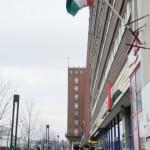 町中に潤うハンガリーの国旗