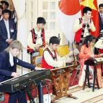 両陛下御出席の晩餐会で響く「赤とんぼ」の調べ