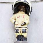 救助活動の努力をたたえ「小便小僧」が消防士姿