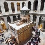 修復を終えた聖墳墓教会「キリストの墓」公開