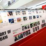 会場にはガンダム・シリーズの歴史を記した年表も展示
