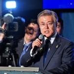勝利宣言を行う文在寅氏 =9日午後、韓国ソウル
