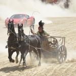 戦闘用馬車、高級車「フェラーリ」に僅差で敗北