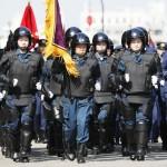 東京・明治神宮外苑で警視庁機動隊が観閲式