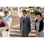 安倍首相、マルタの旧日本海軍戦没者を慰霊