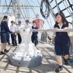 高校生が国内最大の帆船「日本丸」に体験乗船