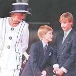 英王子兄弟、事故死の直前にダイアナ妃と電話