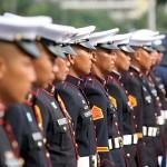 正装で式典に臨む国軍兵士たち