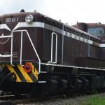 DD51ディーゼル機関車 非電化の本線区間を支えた
