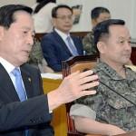 宋永武氏(左)と李淳鎮氏