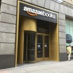 オープン直前のNYミッドタウンのアマゾン・ブックス(7 W34th St New York NY 10001)。ニューヨーク市内ではコロンバス・サークルに続いて2店舗目、コーヒーショップ併設型ではシカゴ、ボストンに続いて3店舗目となる。